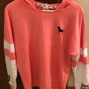 ✨BUY 1 GET 1 50%✨ Victoria's Secret PINK Sweater
